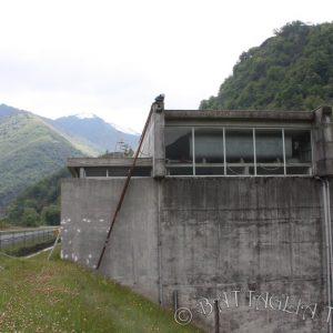 Un édifice imposant dans un paysage qui ne l'est pas moins