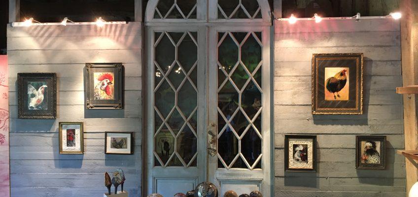 Espace d'exposition mixte tableau et céramiques